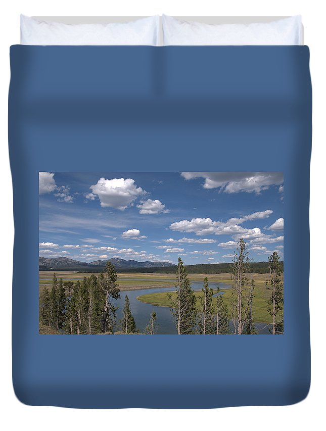 River Duvet Cover featuring the photograph Yellowstone River Through the Hayden Valley by Frank Madia