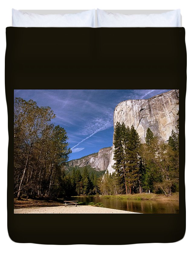 El Capitan Duvet Cover featuring the photograph Yosemite El Capitan River by Jeff Lowe