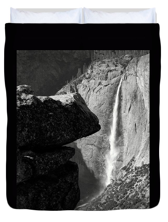 Yosemite Falls Duvet Cover featuring the photograph Yosemite Falls by Jeff Lowe