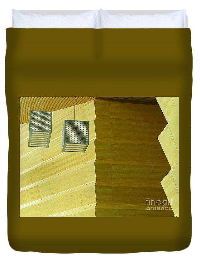 Zig-zag Duvet Cover featuring the photograph Zig-zag by Ann Horn