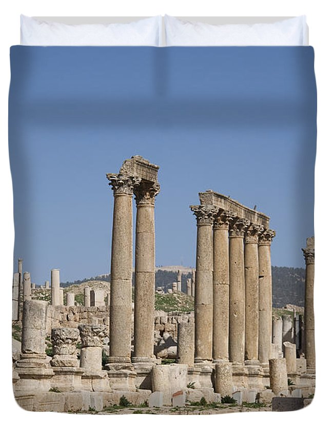 Columns Duvet Cover featuring the photograph The Oval Plaza In The Ruins by Taylor S. Kennedy