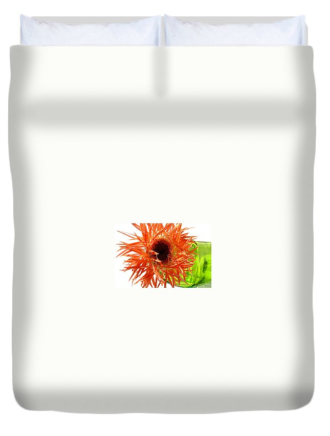 Gerbera Photographs Duvet Cover featuring the photograph 0690c-009 by Kimberlie Gerner
