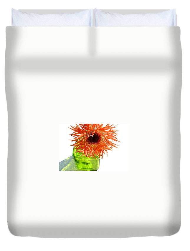 Gerbera Photographs Duvet Cover featuring the photograph 0690c-019 by Kimberlie Gerner