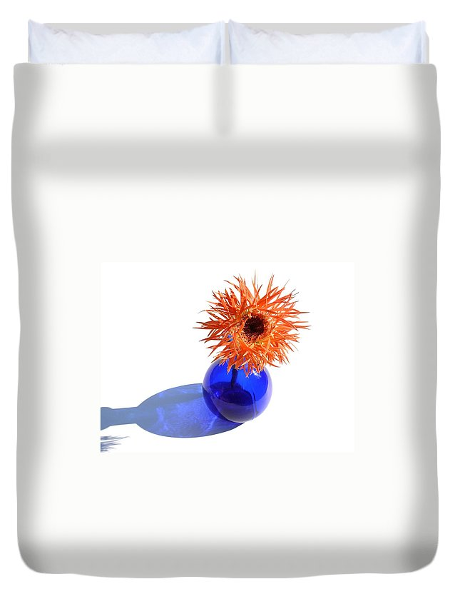 Gerbera Photographs Duvet Cover featuring the photograph 0697c by Kimberlie Gerner