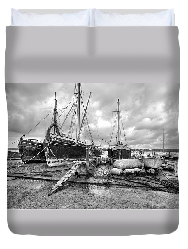 Pin Mill Duvet Cover featuring the photograph Boats On The Hard Pin Mill by Gary Eason