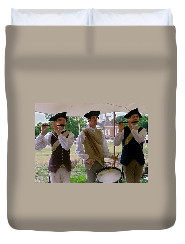 3 Young Men Playing Fifes & Drum Duvet Cover featuring the photograph Fifes And Drums by Sally Weigand