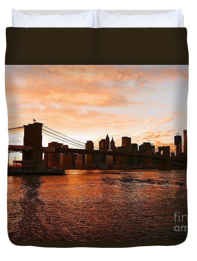 Brooklyn Bridge Duvet Cover featuring the photograph Golden Memories by Kendall Eutemey