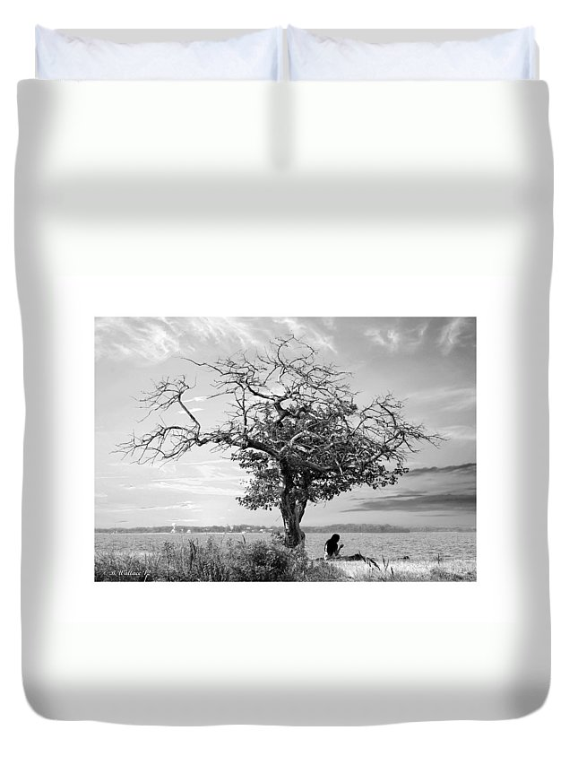 2d Duvet Cover featuring the photograph Introspective by Brian Wallace