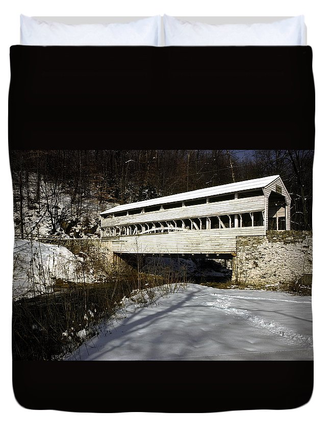 Knox Covered Bridge Duvet Cover featuring the photograph Knox Covered Bridge by Sally Weigand