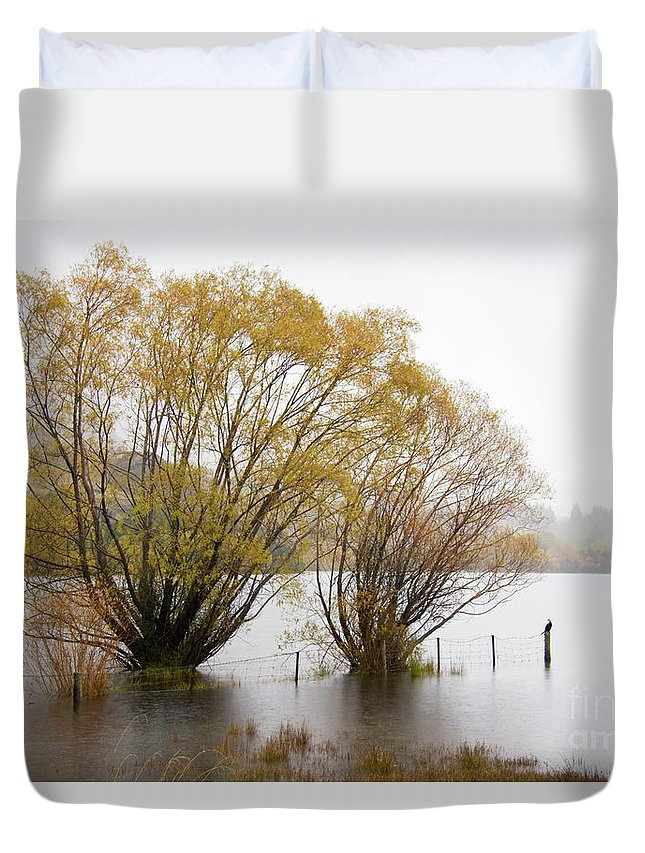 Lake Wanaka Duvet Cover featuring the photograph Lake Wanaka by Carole Lloyd