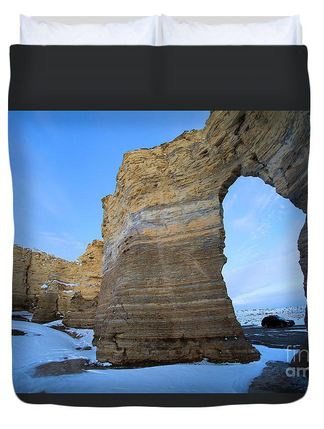 Monument Rocks Duvet Cover featuring the photograph Monument Rocks Arch by Adam Jewell