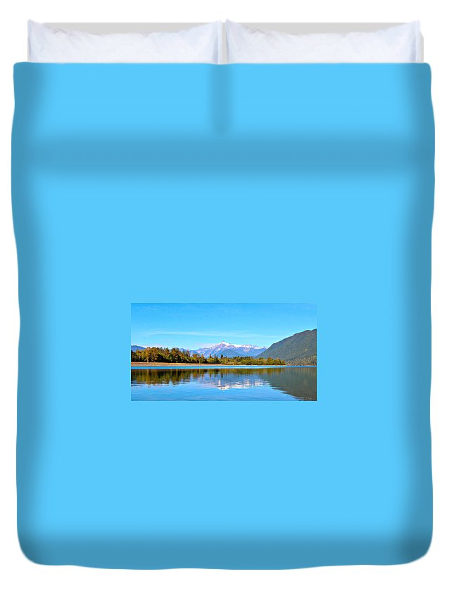 Alpine Duvet Cover featuring the photograph Mount Shuksan by Paul Fell