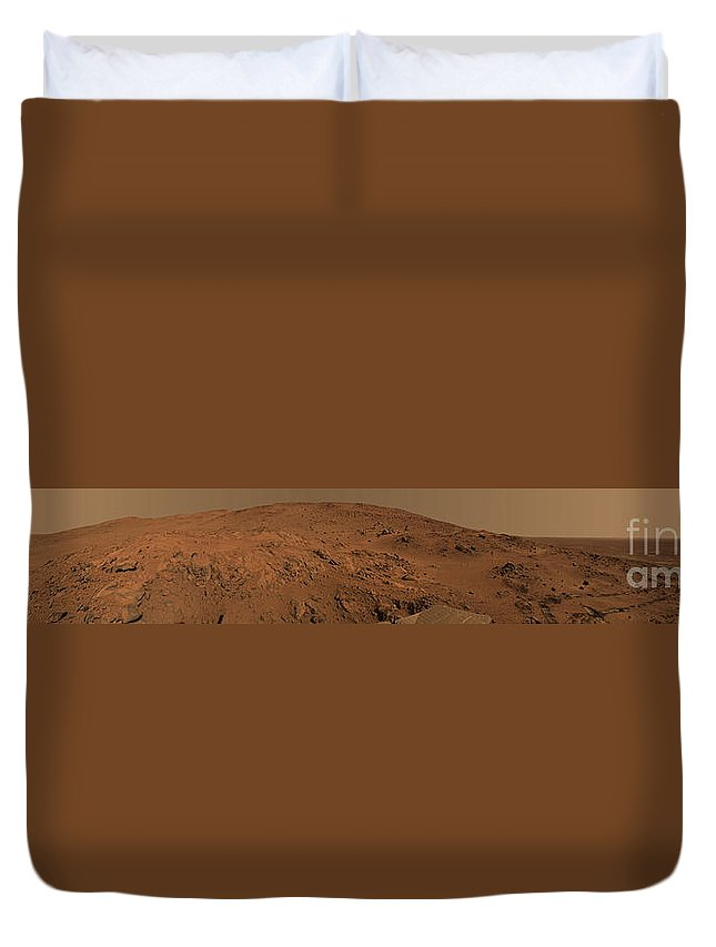 Abyss Duvet Cover featuring the photograph Panoramic View Of Mars by Stocktrek Images