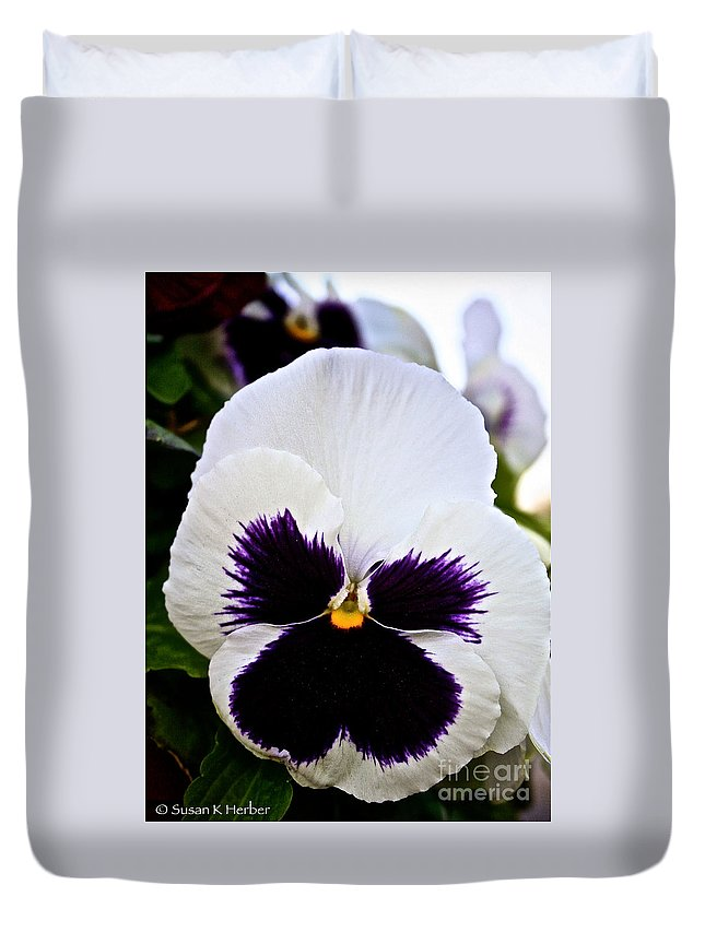 Outdoors Duvet Cover featuring the photograph Pansy Face by Susan Herber
