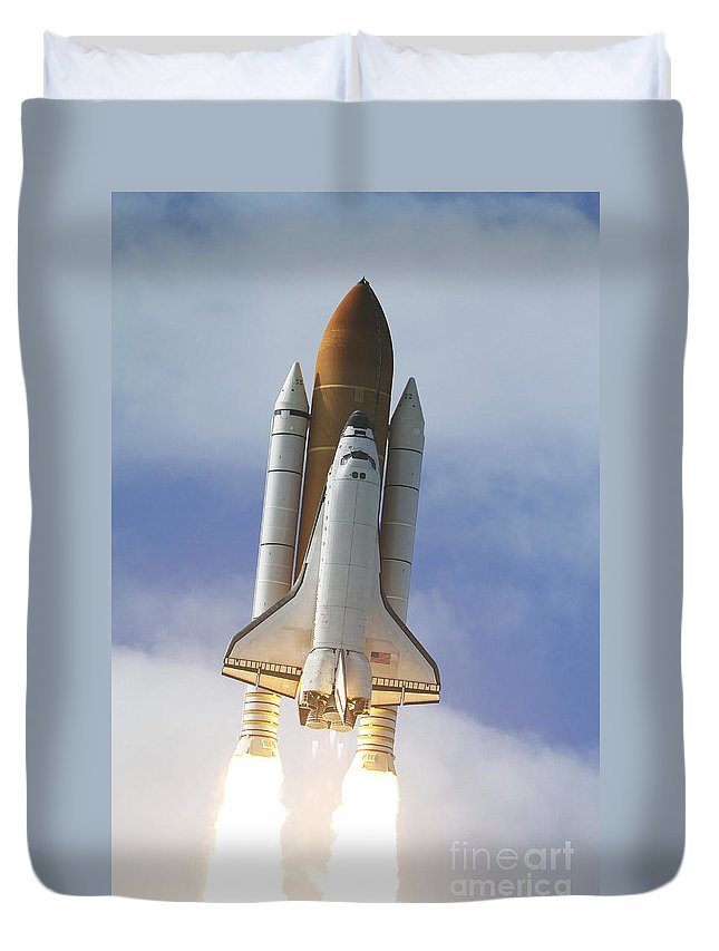 Ov-104 Duvet Cover featuring the photograph Space Shuttle Atlantis Lifts by Stocktrek Images