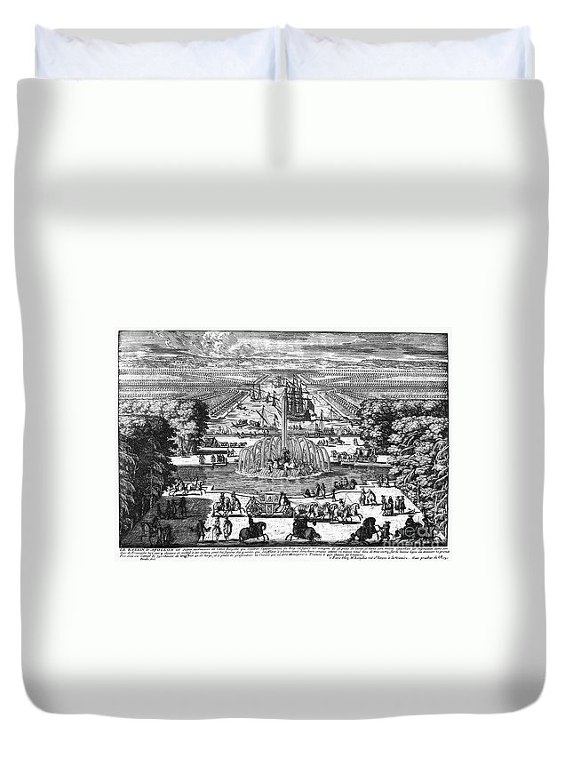 1685 Duvet Cover featuring the photograph Versailles: Gardens, 1685 by Granger