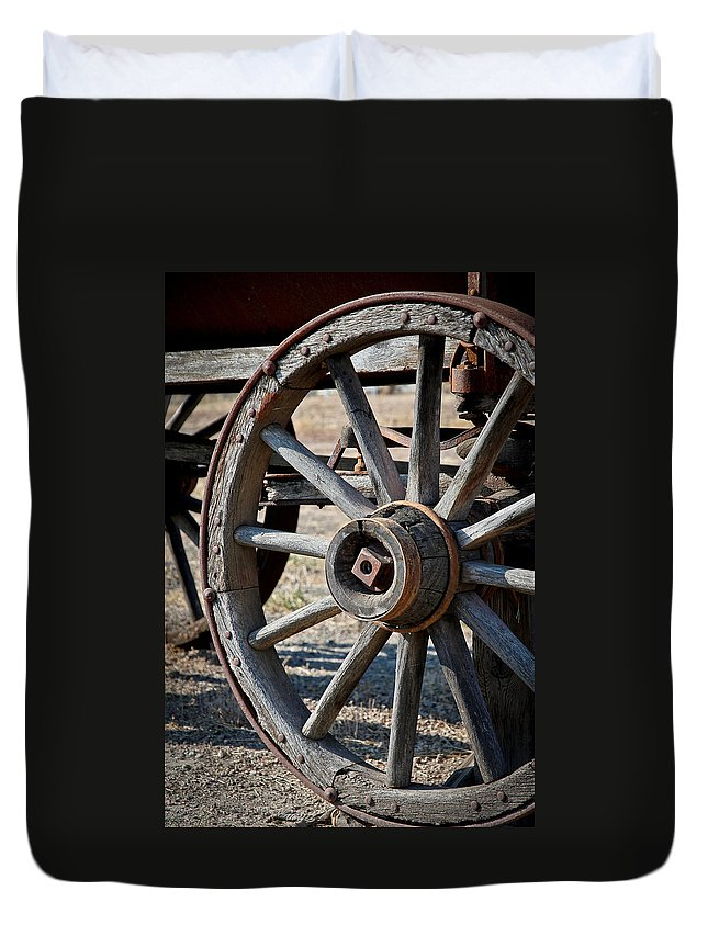 Wagon Wheel Duvet Cover featuring the photograph Wagon Wheel by Athena Mckinzie