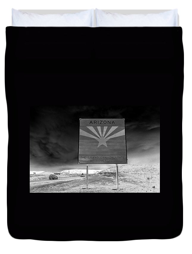 Fine Art Photography Duvet Cover featuring the photograph Welcome Sign by David Lee Thompson