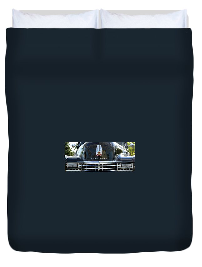 1941 Cadillac Duvet Cover featuring the photograph 1941 Cadillac Grill by Paul Ward