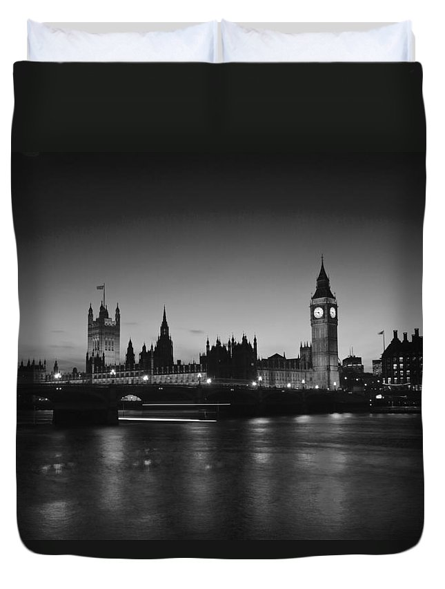 Westminster Duvet Cover featuring the photograph Big Ben And The Houses Of Parliament by David French