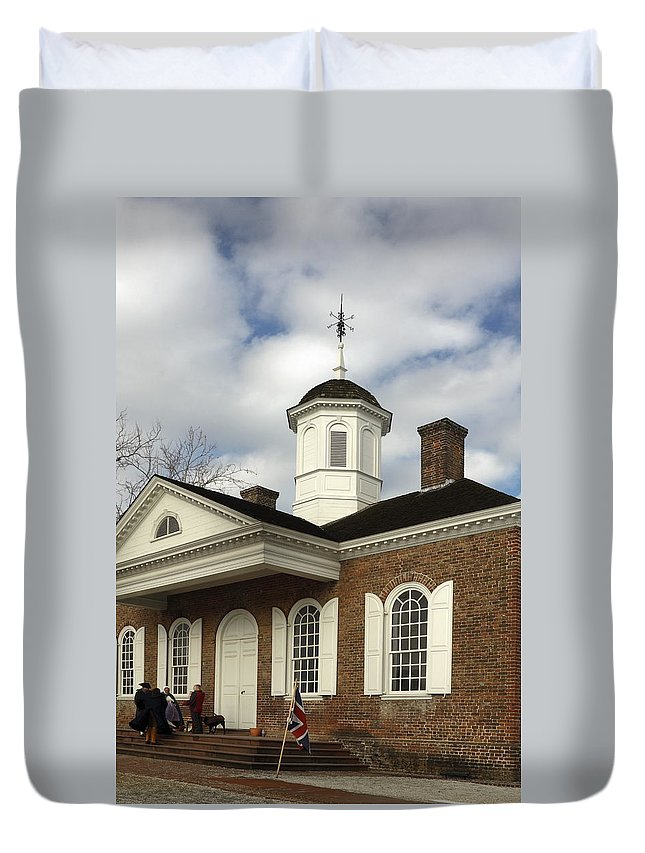 Courthouse Duvet Cover featuring the photograph Colonial Williamsburg Courthouse by Sally Weigand