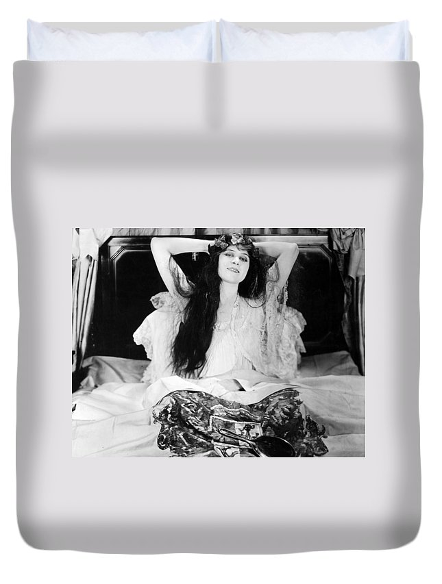 Nec02 Duvet Cover Featuring The Photograph Theda Bara 1885 1955 By
