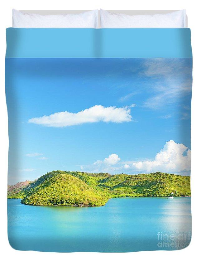 Ocean Duvet Cover featuring the photograph Tropical Lagoon 2 by MotHaiBaPhoto Prints