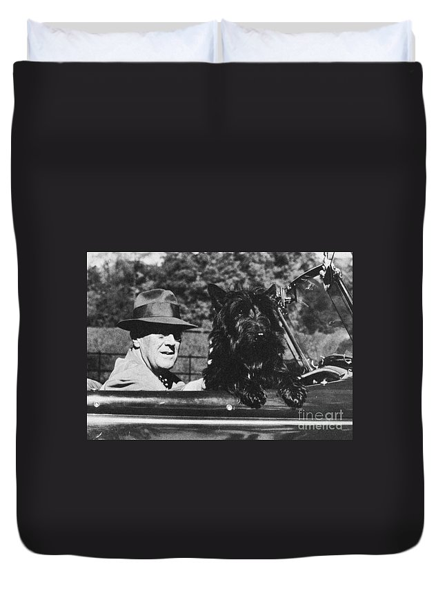 1944 Duvet Cover featuring the photograph Franklin D. Roosevelt by Granger