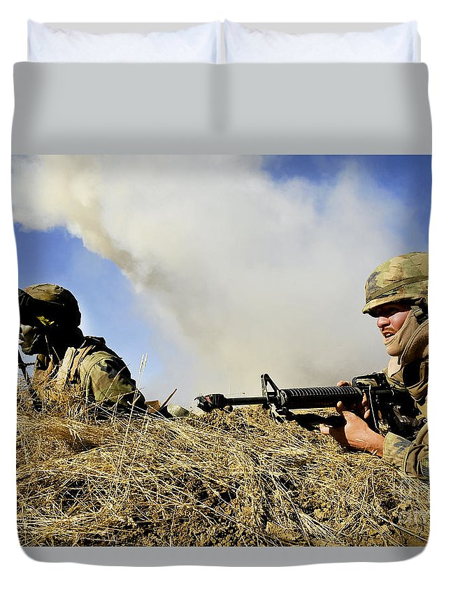 Naval Mobile Construction Battalion Duvet Cover featuring the photograph Seabees Defend Their Camp by Stocktrek Images