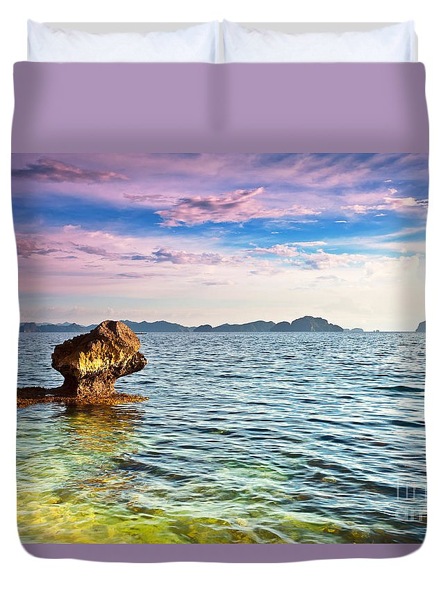 Beach Duvet Cover featuring the photograph Seascape by MotHaiBaPhoto Prints