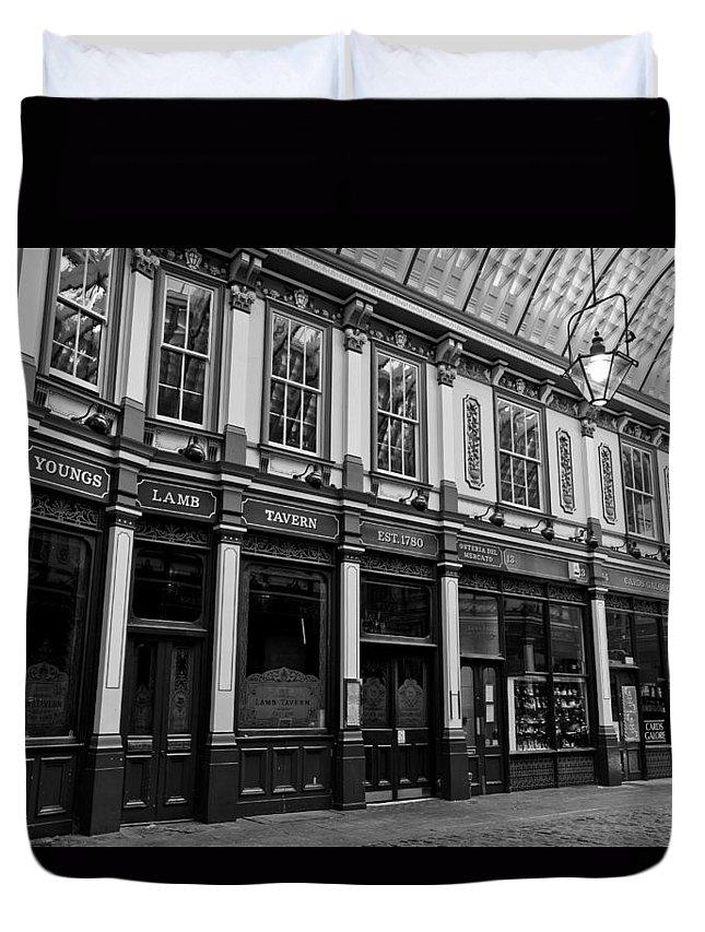 Leadenhall Duvet Cover featuring the photograph Leadenhall Market London by David Pyatt