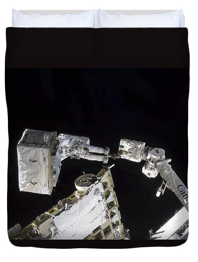 Specialist Duvet Cover featuring the photograph Astronaut Participates by Stocktrek Images
