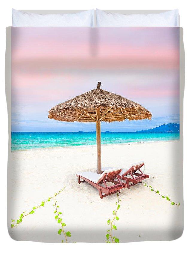 Vanilla Duvet Cover featuring the photograph Beach by MotHaiBaPhoto Prints
