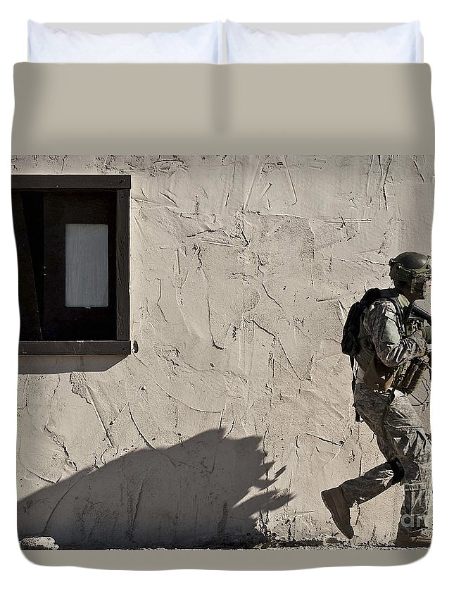 Joint Terminal Attack Controller Duvet Cover featuring the photograph A Joint Tactical Air Controller by Stocktrek Images