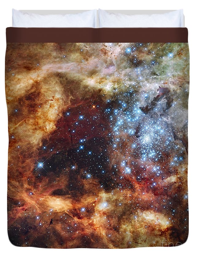 Red Duvet Cover featuring the photograph A Stellar Nursery Known As R136 by Stocktrek Images
