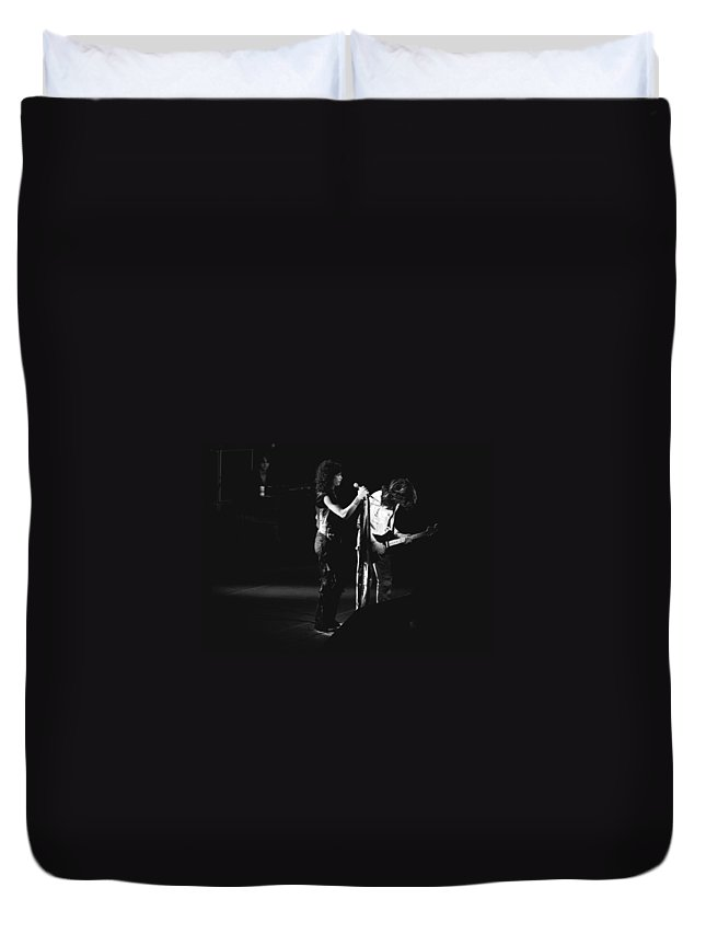 Aerosmith Duvet Cover featuring the photograph Aerosmith In Spokane 31 by Ben Upham
