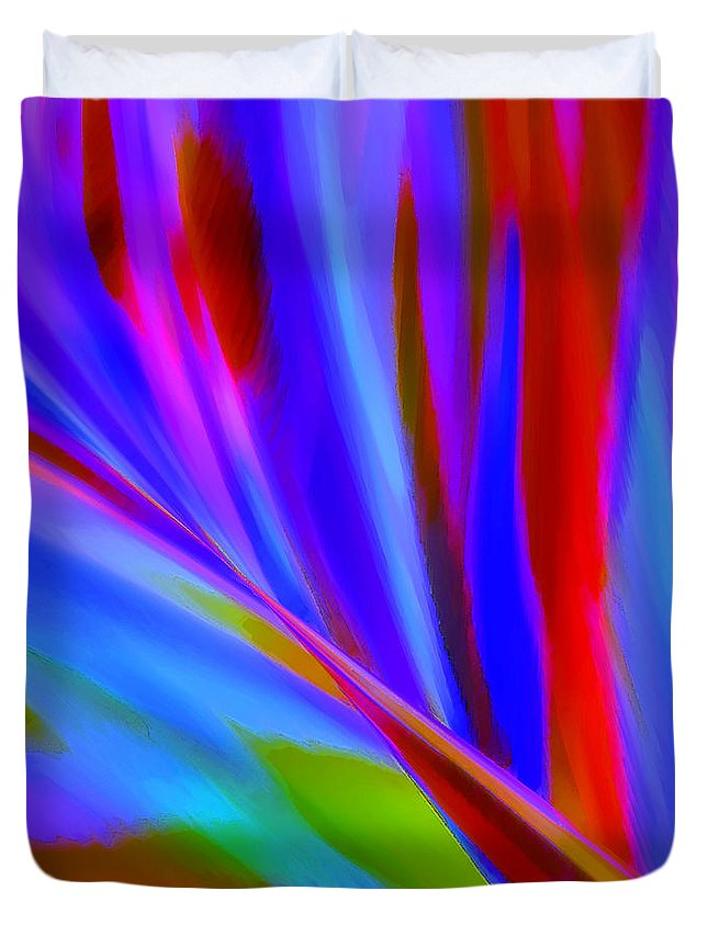Abstract Duvet Cover featuring the digital art Akimbo by ME Kozdron