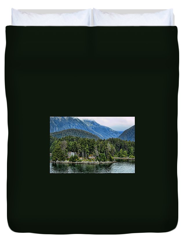 Alaska Duvet Cover featuring the photograph Alaskan Mountain Retreat by Jon Berghoff