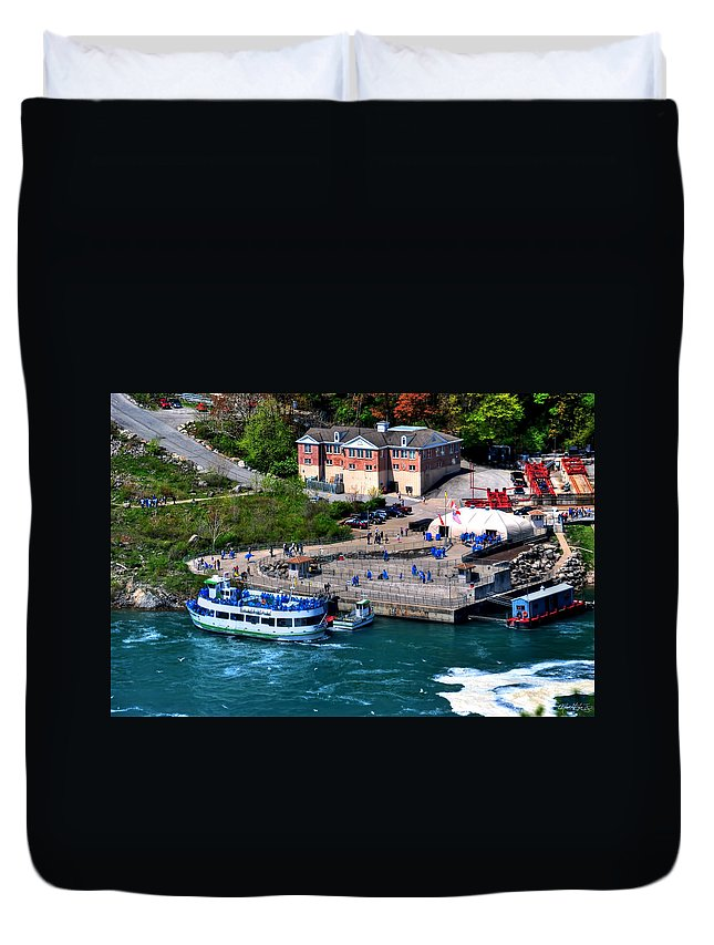 Duvet Cover featuring the photograph Allll Aboard by Michael Frank Jr