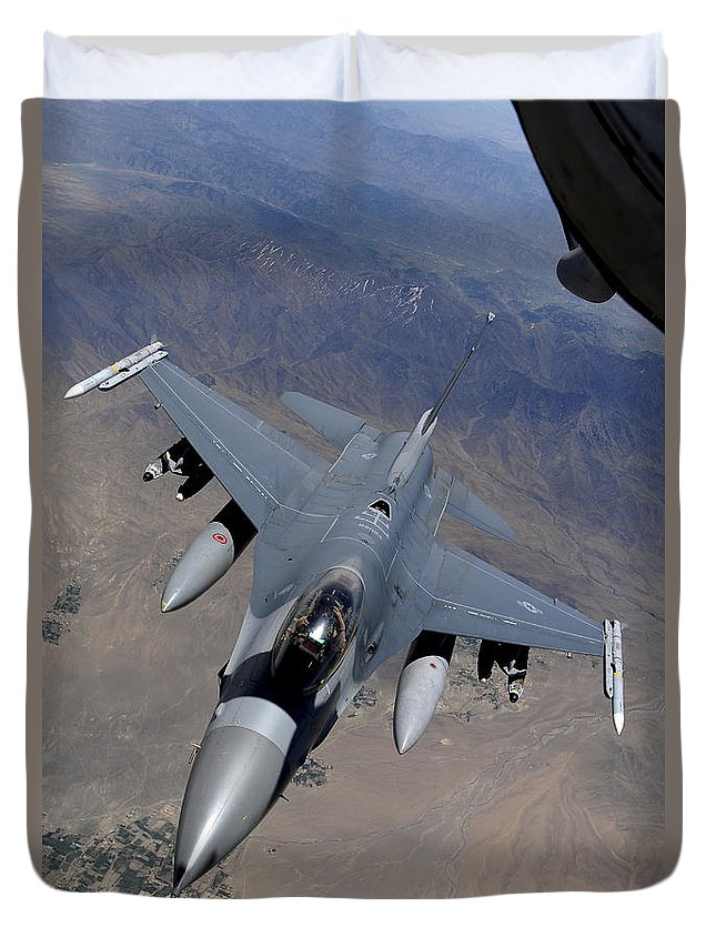 Afghanistan Duvet Cover featuring the photograph An F-16 Fighting Falcon Returns by Stocktrek Images
