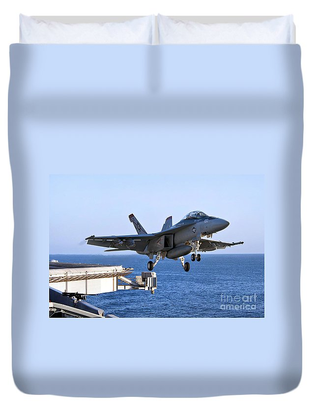 F-18 Super Hornet Duvet Cover featuring the photograph An Fa-18f Super Hornet Takes by Stocktrek Images