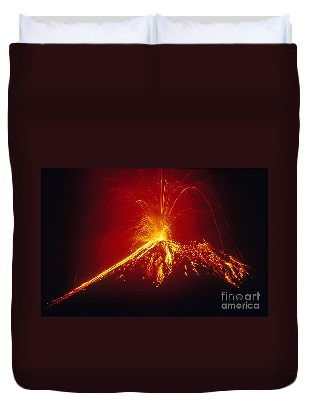 Horizontal Duvet Cover featuring the photograph Arenal Volcano Erupting by Gregory G. Dimijian
