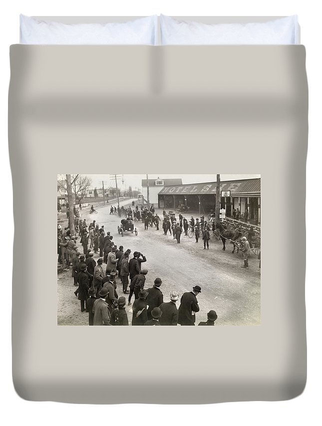 1900 Duvet Cover featuring the photograph Auto Race, C1900 by Granger