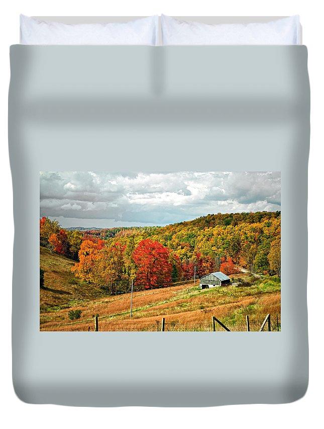 West Virginia Duvet Cover featuring the photograph Autumn Farm 2 by Steve Harrington