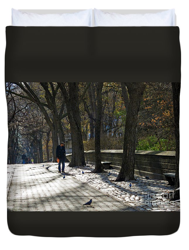 Autumn Duvet Cover featuring the photograph Autumn In New York 2 by Madeline Ellis