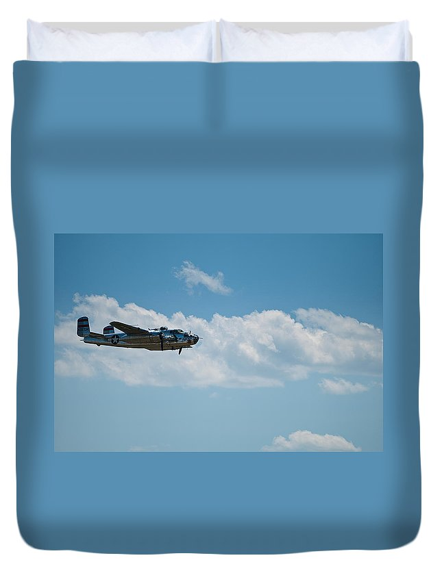 b 25 Mitchel Bomber Duvet Cover featuring the photograph B 25 Mitchel Bomber by Paul Mangold