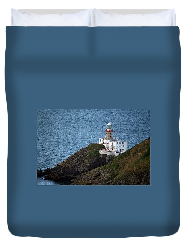 Baily Lighthouse Duvet Cover featuring the photograph Baily Lighthouse by Carol Ann Thomas