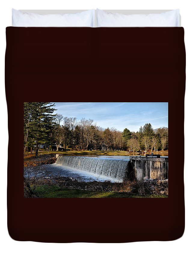 Bear Duvet Cover featuring the photograph Bear Creek Lake Waterfall by Bill Cannon