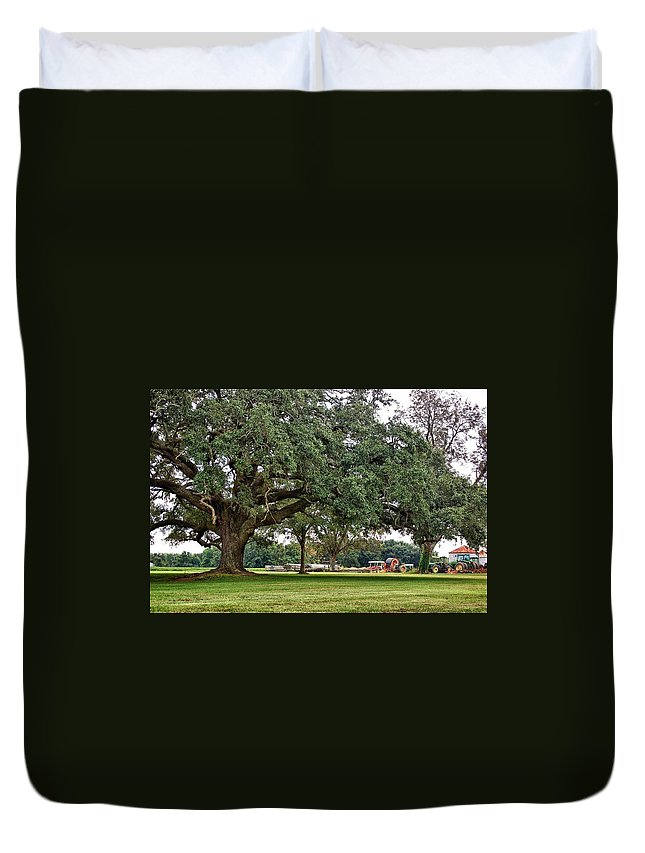 Alabama Photographer Duvet Cover featuring the digital art Big Oak And The Tractors by Michael Thomas
