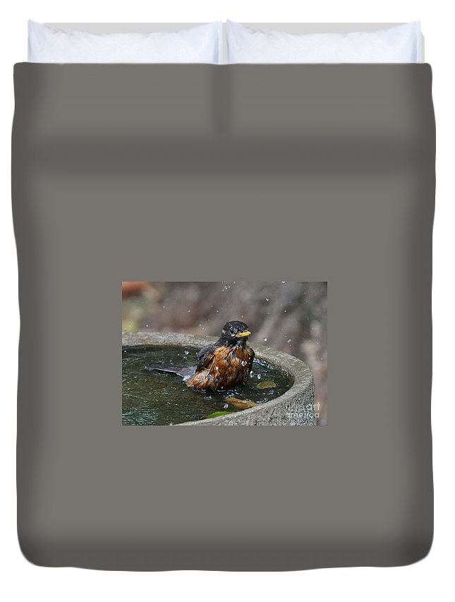 Robin Duvet Cover featuring the photograph Bird Bath Fun Time by Lori Tordsen